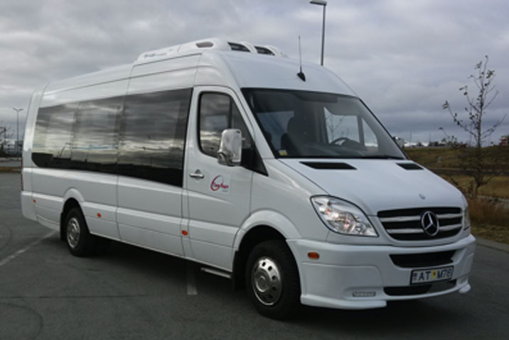 iceland airport transfer